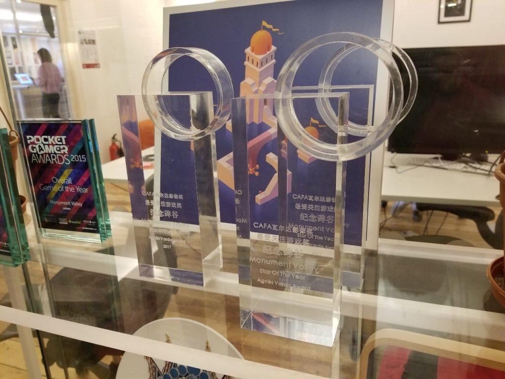 2017纪念碑谷团队于中央美术学院受颁的瓦尔达影像奖