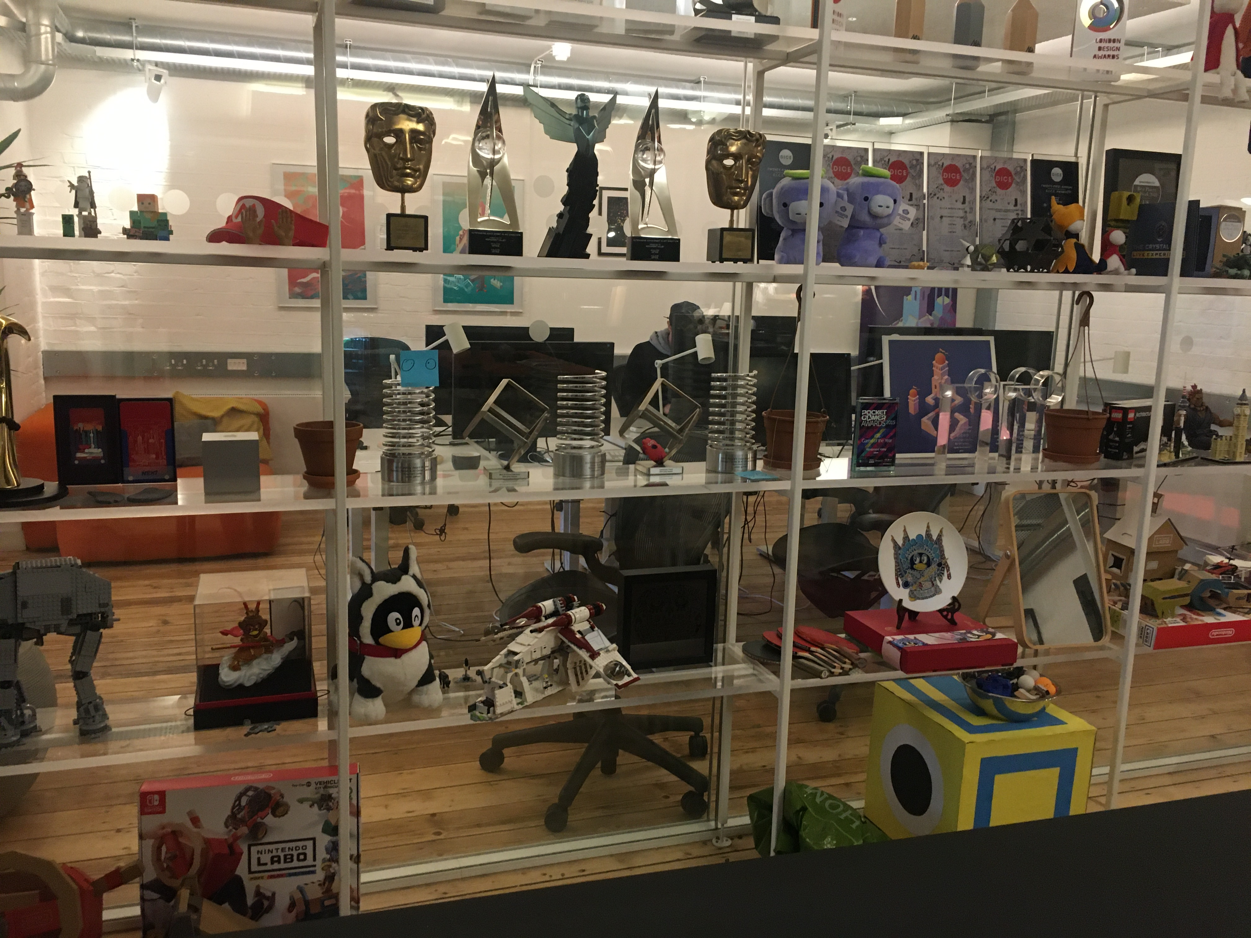 798游戏艺术工厂_艺术创意无国界  Hardfun探访纪念碑谷USTWO团队伦敦工作室 – Hardfun